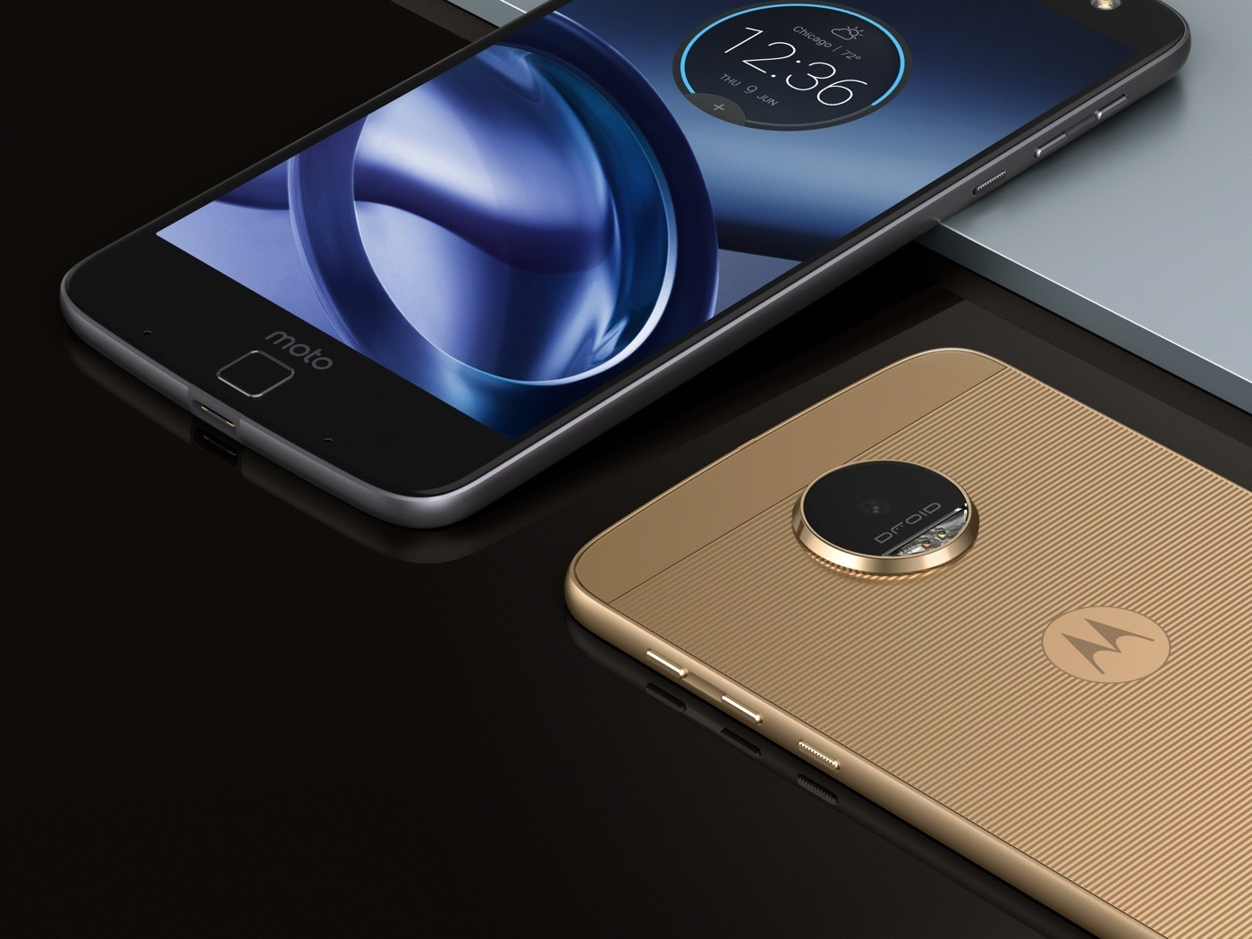 Moto Z Droid Edition in situ photography